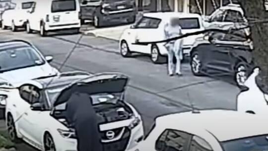 شاهد.. شرطة نيويورك تنشر فيديو لجريمة قتل مروعة وسط المدينة