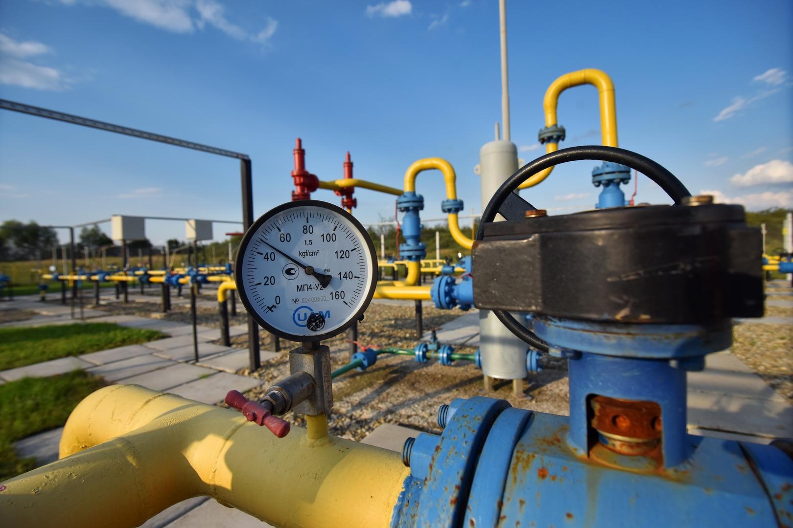 النفط مستقر قبيل اجتماع مهم لمجموعة