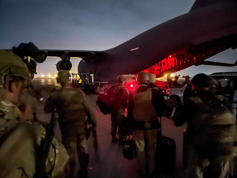 الولايات المتحدة.. الكشف عن محاولة خطف الطائرة أثناء الإخلاء من كابل