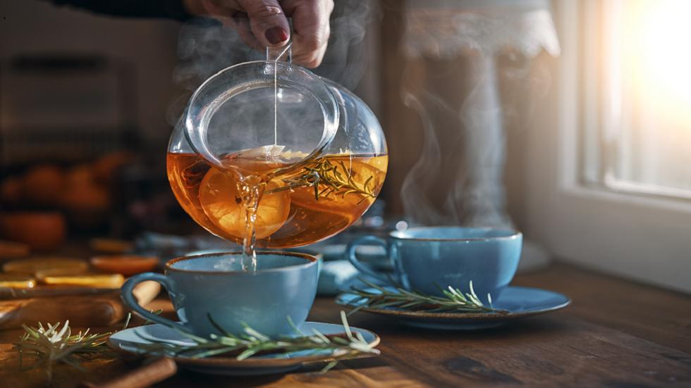 هل كوب الشاي يحل المشكلة ؟ دراسة حديثة تقدّم الجواب!