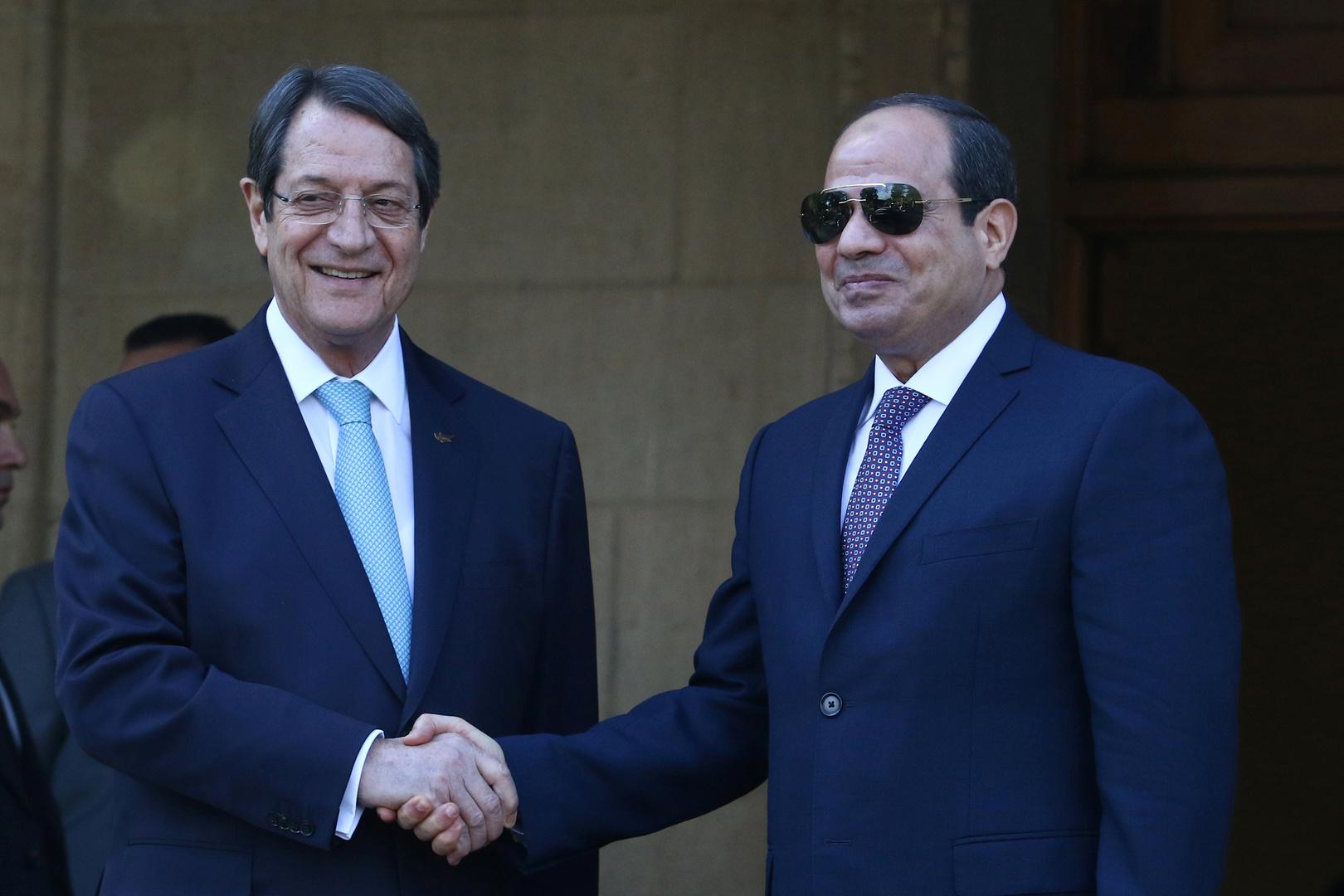 السيسي يلتقي نظيره القبرصي ويحذر من تداعيات أزمة سد النهضة ويدعو لإخراج القوات الأجنبية في ليبيا