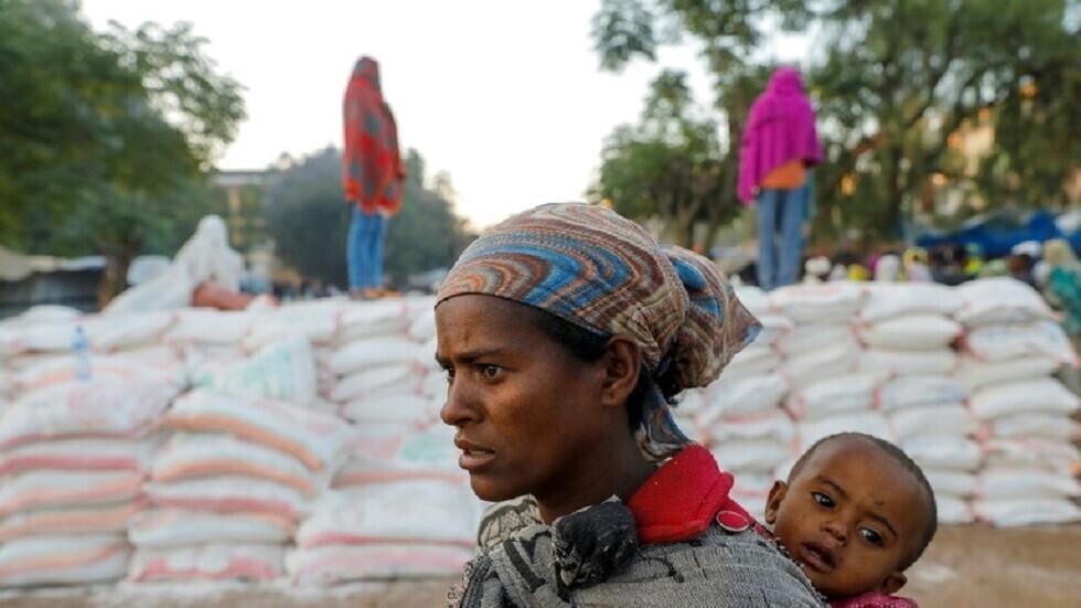 إثيوبيا تعلن وصول <a href='/tags/85228-%D9%85%D8%B3%D8%A7%D8%B9%D8%AF%D8%A7%D8%AA-%D8%A5%D9%86%D8%B3%D8%A7%D9%86%D9%8A%D8%A9'>مساعدات إنسانية</a> إلى إقليم تيغراي