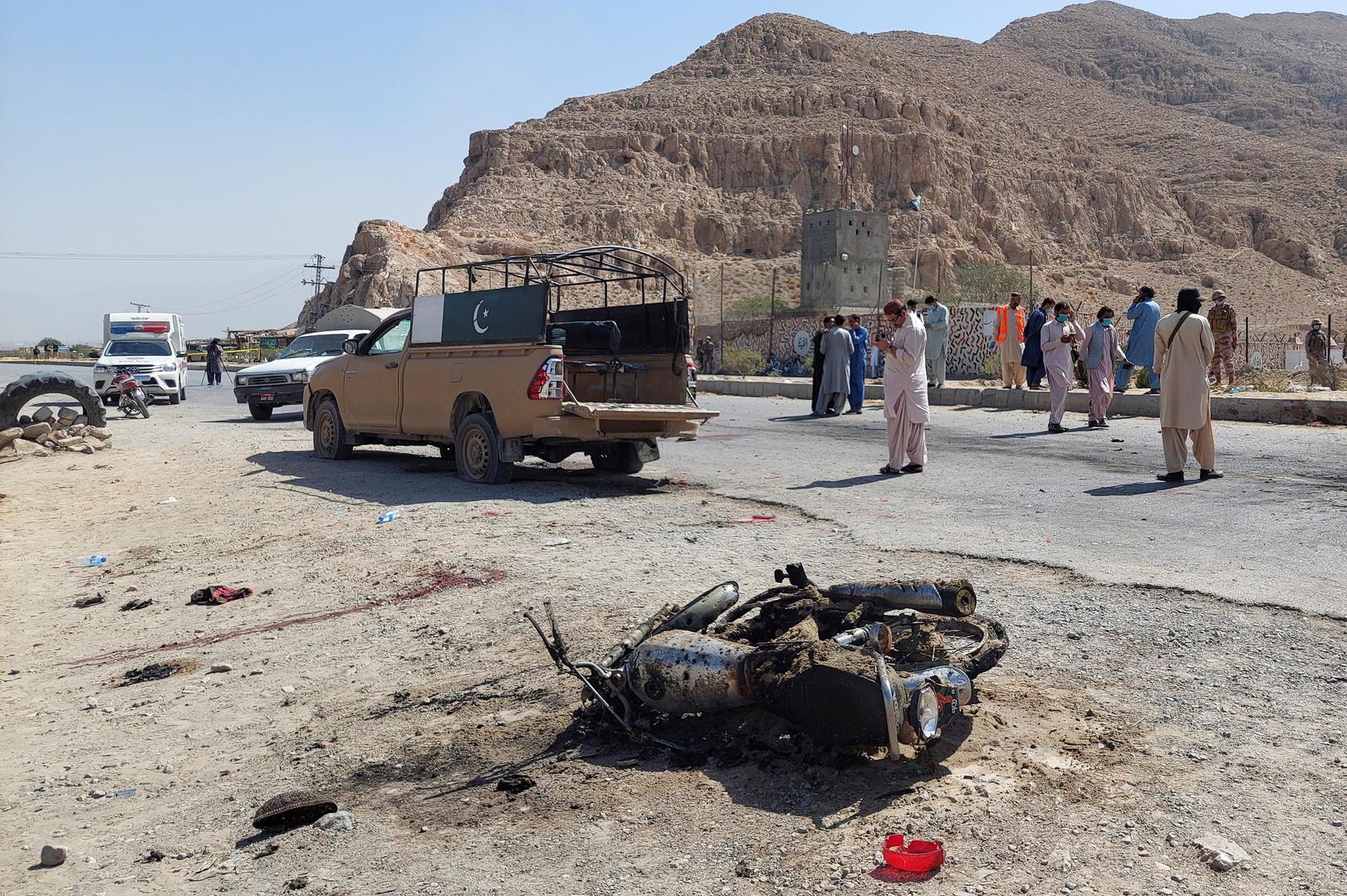موقع هجوم انتحاري قتل 4 عناصر في الشرطة الحدودية الباكستانية في مدينة كويتة.