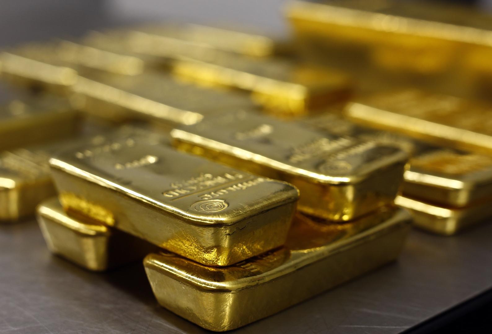 الذهب يرتفع قرب أعلى مستوى في شهرين ونصف