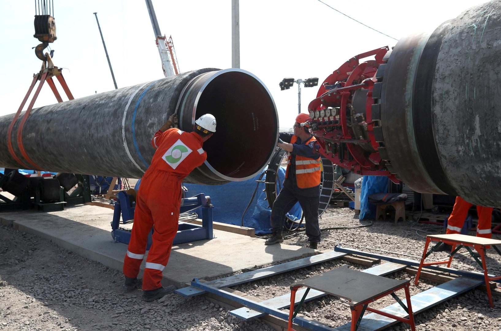 اتمام مد الأنبوب الأخير من مشروع الغاز الروسي