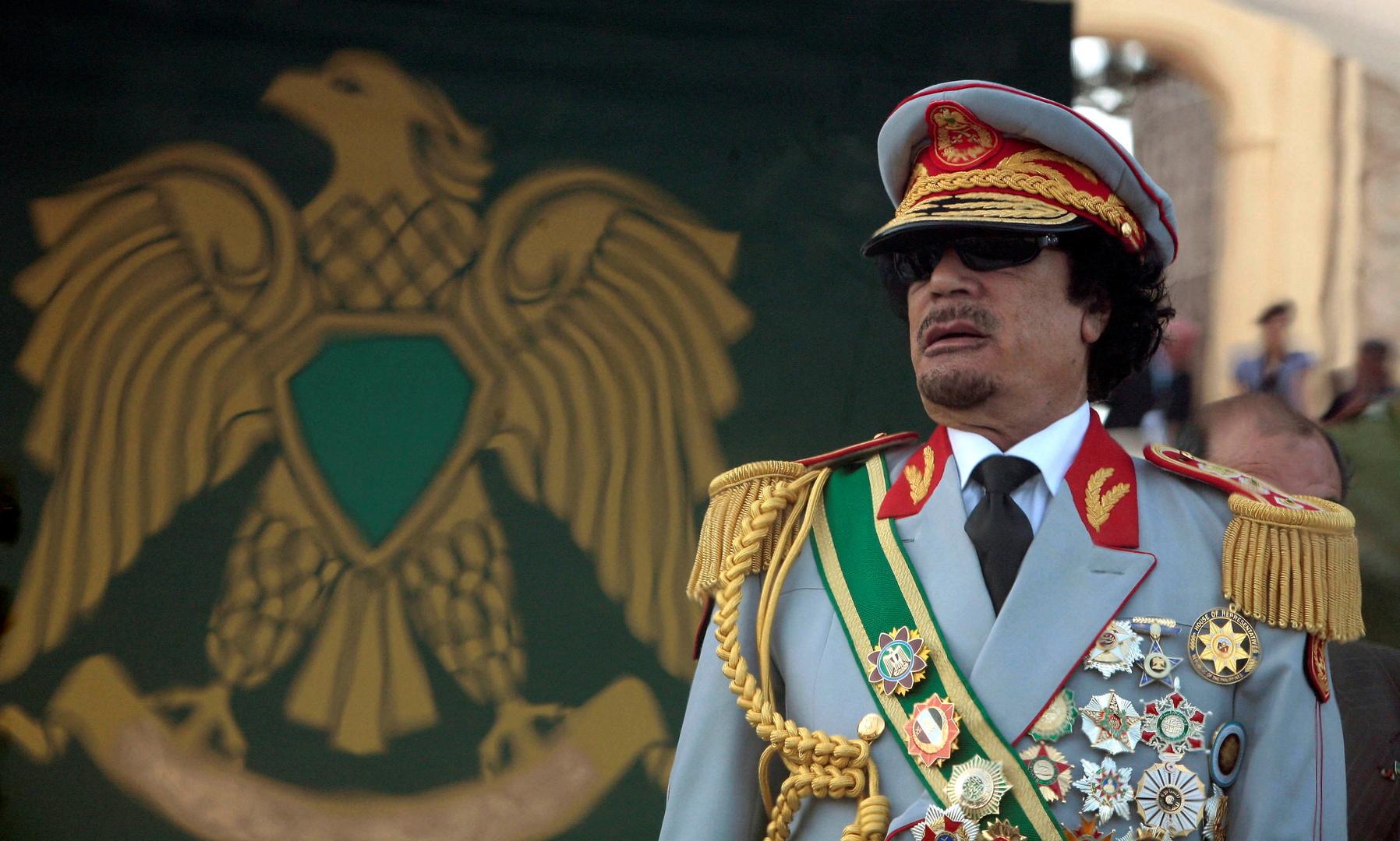 أنباء عن تسليم رفات معمر القذافي ونجله المعتصم