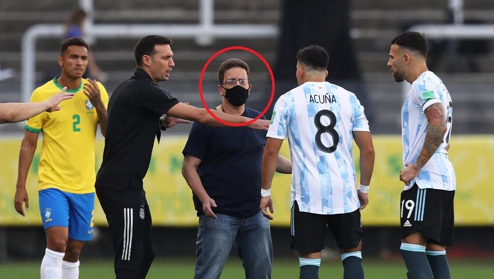 شاهد.. لحظة اقتحام مسؤول الصحة البرازيلية لإيقاف