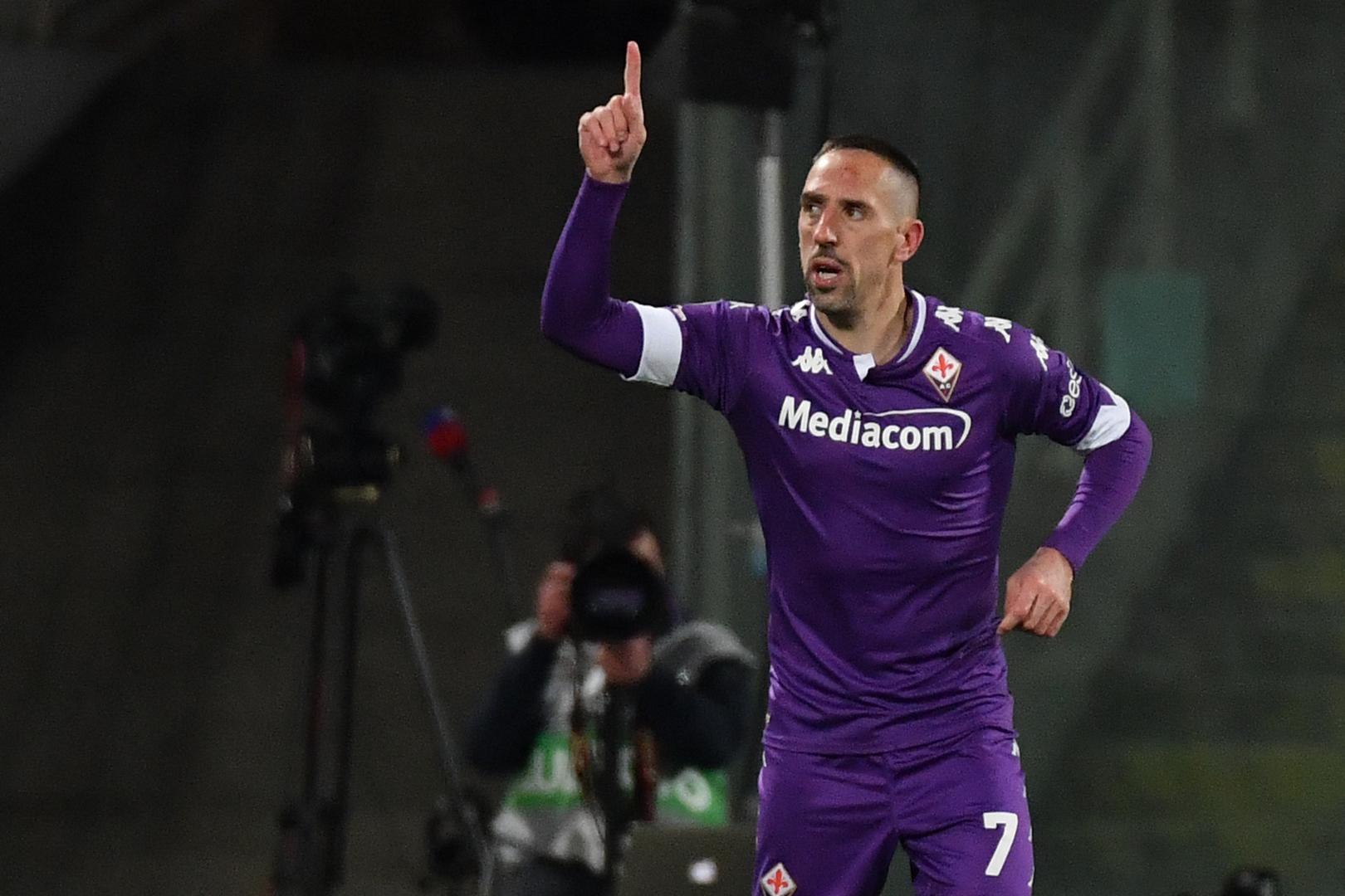 ريبيري ينتقل من فيورنتينا إلى ناديه التاسع في مسيرته