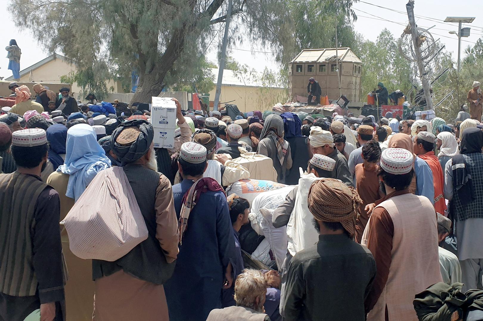 اليونيسف تحاول إعادة أطفال أفغان إلى أسرهم بعد