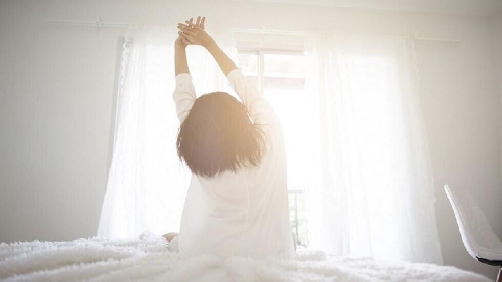 كيف تحدد الوقت المناسب للنوم  إذا كنت ترغب في الاستيقاظ منتعشا؟