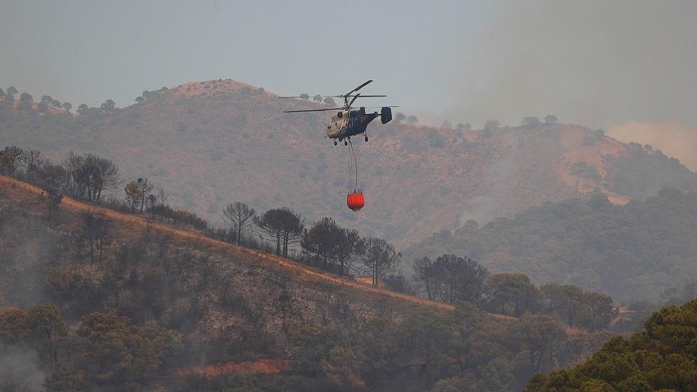 إجلاء المئات مع اشتداد حريق الغابات في جنوب غرب إسبانيا