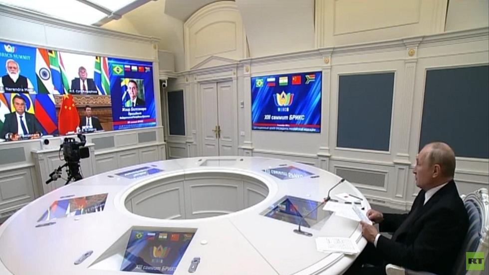 بوتين: انسحاب واشنطن من أفغانستان خلق أزمة