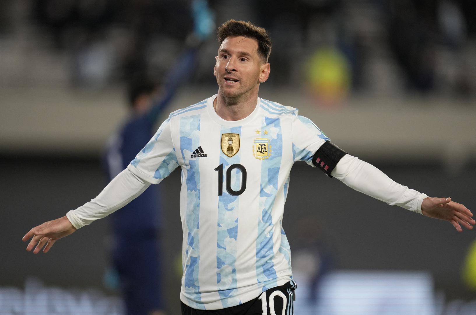 شاهد.. هاتريك ميسي يقود الأرجنتين للانتصار ويتخطى بيليه بهدفين