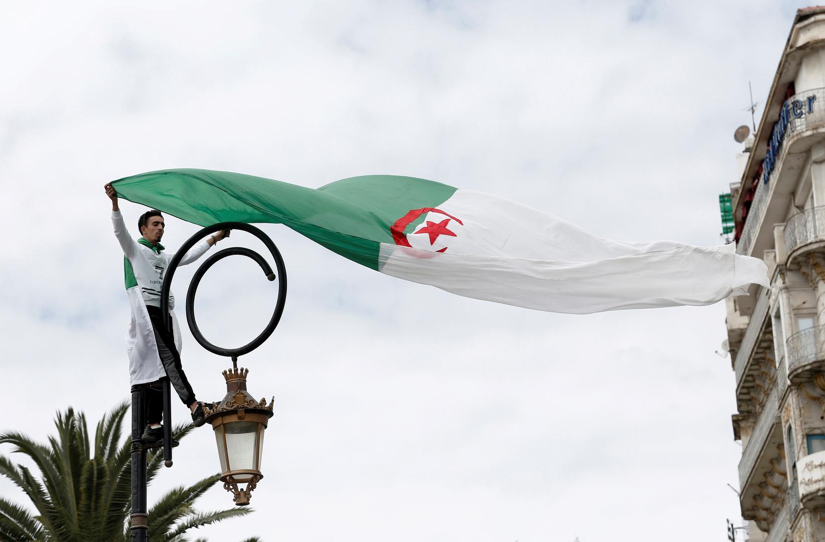 قناة تلفزيونية جزائرية جديدة تثير الجدل بسبب تشابه شعارها مع قناة إسرائيلية