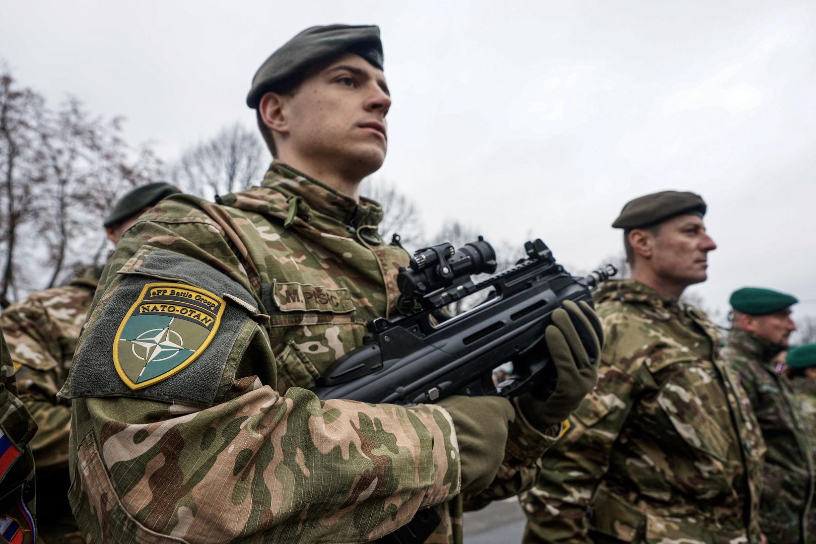 عناصر للجيش اللاتفي