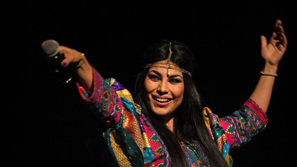 نجمة البوب الأفغانية أريانا سعيد تروي تفاصيل تنكرها وهروبها من