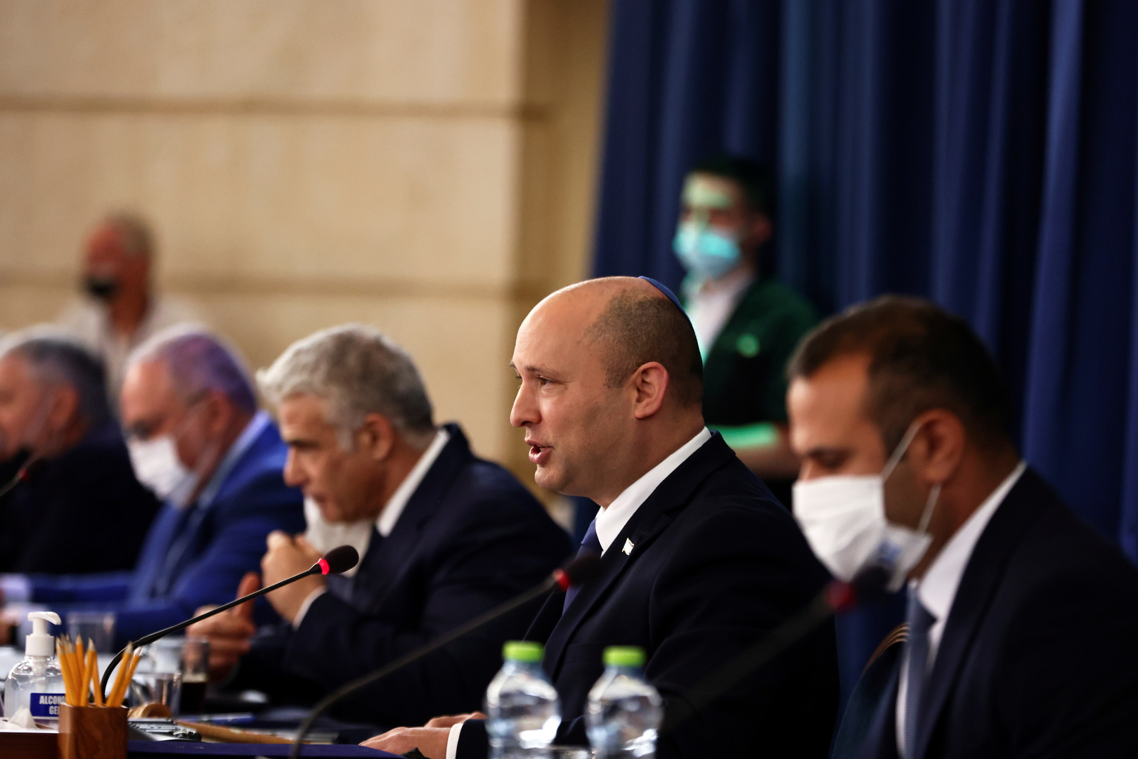 وسائل إعلام: وزراء إسرائيليون يطالبون بتشديد ظروف احتجاز المعتقلين الفلسطينيين
