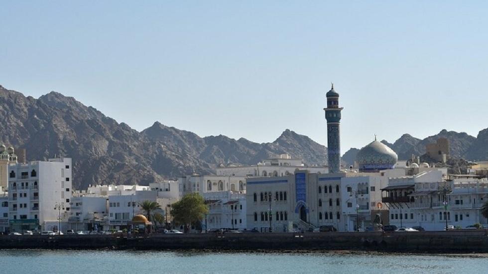 صندوق النقد يتوقع هبوطا حادا للعجز المالي وديون عمان بعد صدمة كوفيد-19