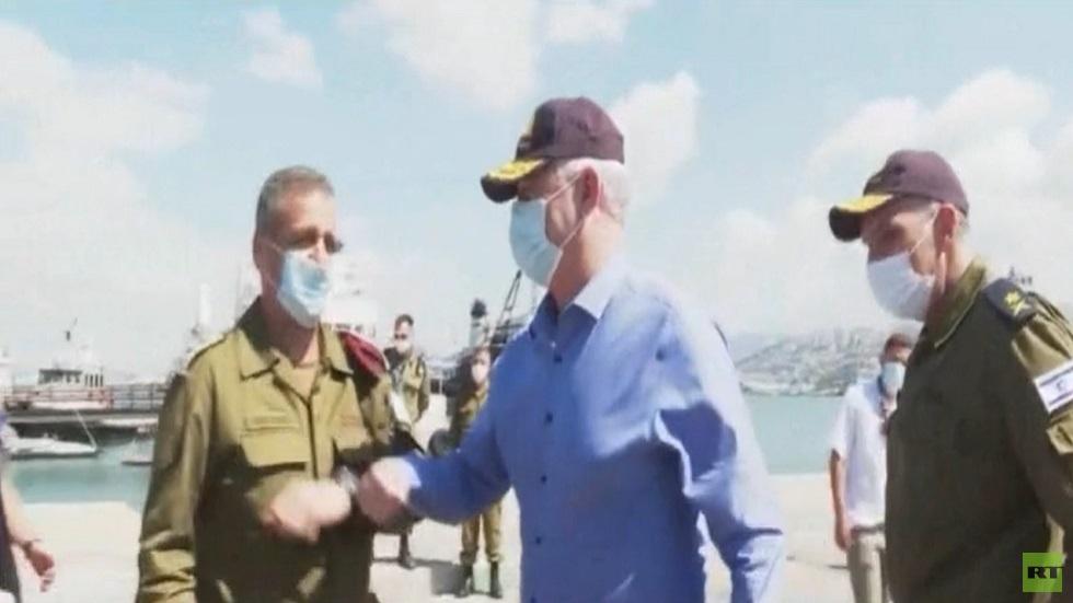 غانتس يتهم إيران بتدريب مسلحين على المسيرات