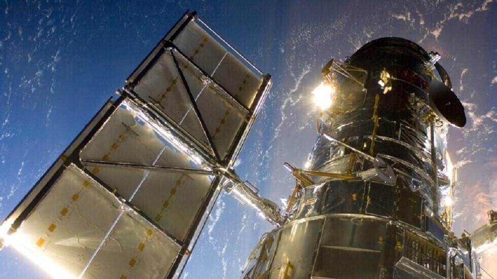 Hubble opdager en skinnende masse, der ligner et frosset fyrværkeri 20.000 lysår væk fra os