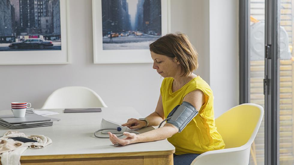 14 نوعا من الأطعمة ينبغي تجنبها إذا كنت تعاني من ارتفاع ضغط الدم