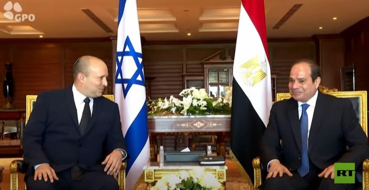 السيسي يلتقي نفتالي بينيت في شرم الشيخ في أول زيارة لرئيس وزراء إسرائيلي لمصر منذ 2010