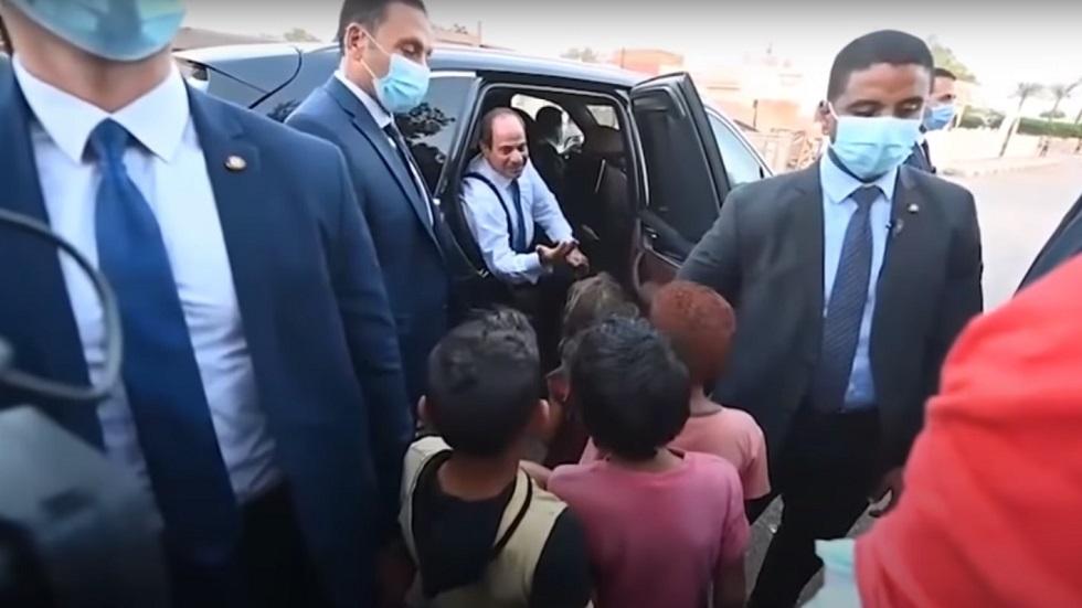 طفل للسيسي خلال جولته بشرم الشيخ: