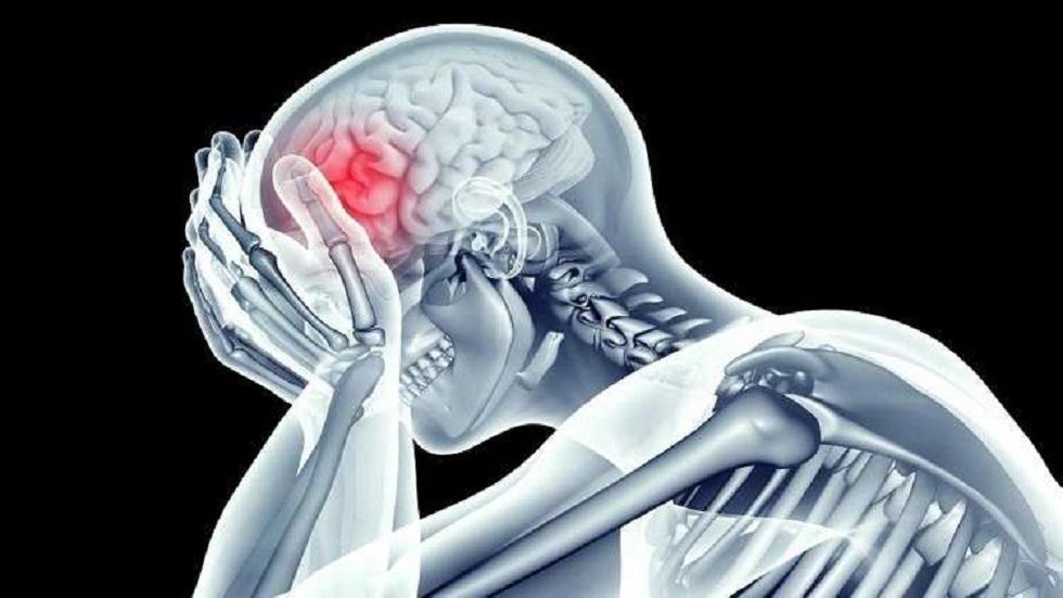 ومن الدواء ما قتل.. طبيب يكشف خطأ فادحا في علاج الجلطة الدماغية
