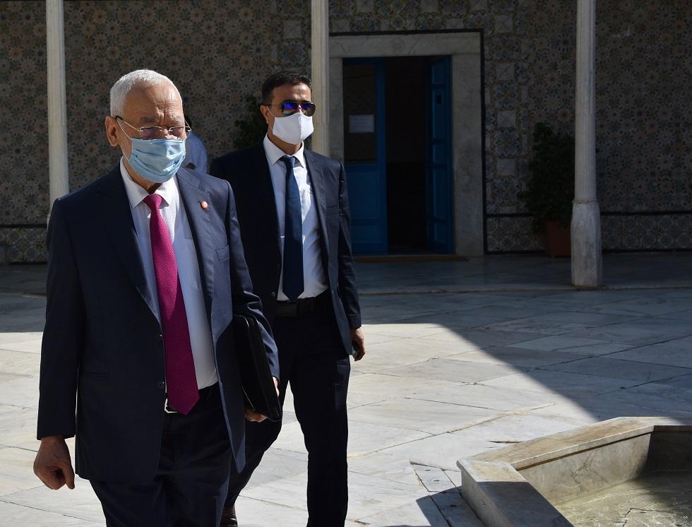 رغم التجميد.. عريضة لحجب الثقة عن رئيس البرلمان التونسي ونائبته