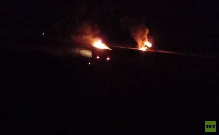 شاهد.. الصور الأولى لاستهداف مركبات الحشد الشعبي على الحدود العراقية السورية