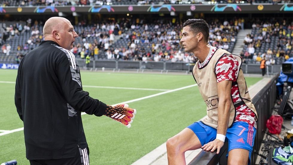 رونالدو يهدي قميصه لامرأة لهذا السبب (صور)