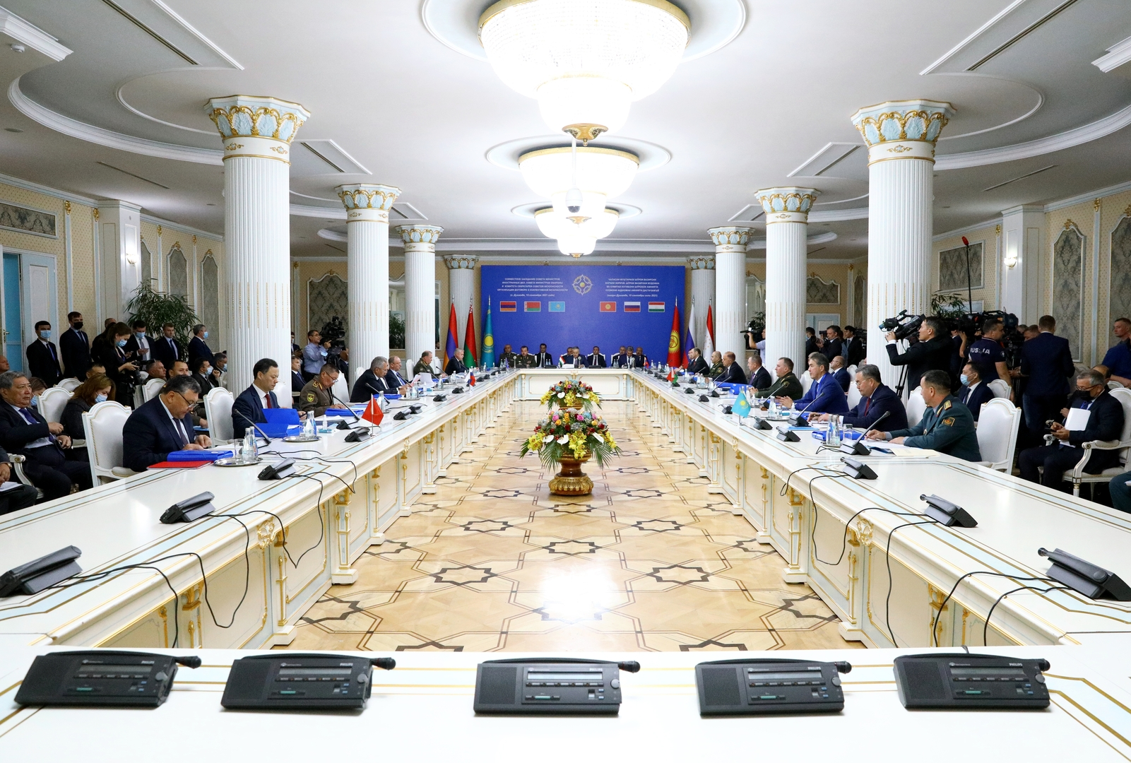 وزراء خارحية ودفاع منظمة معاهدة الأمن الجماعي يناقشون تطورات الوضع في أفغانستان