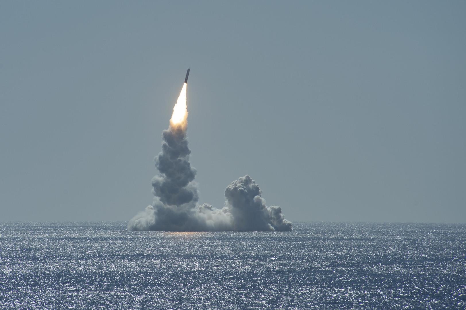 كوريا الجنوبية تصبح سابع دولة عالميا تنجح في إطلاق صاروخ باليستي من غواصة