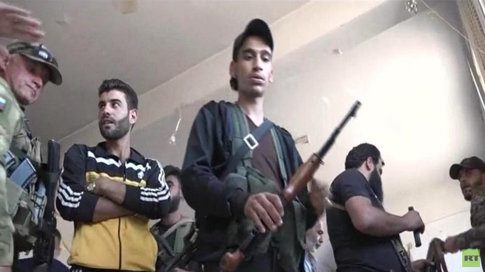 بدء تسوية أوضاع المسلحين بالمزيريب بريف درعا