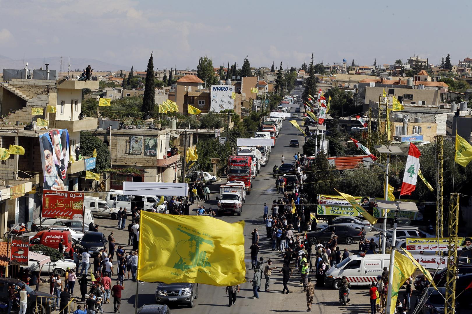 لبنان.. قافلة المازوت الإيراني قسمت إلى 4 أقسام وتدخل تباعا إلى القرى والبلدات