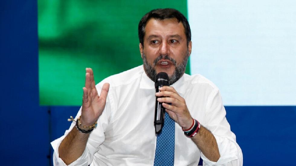 إيطاليا.. التحقيق مع مقرب من سالفيني بتهمة حيازة وبيع المخدرات