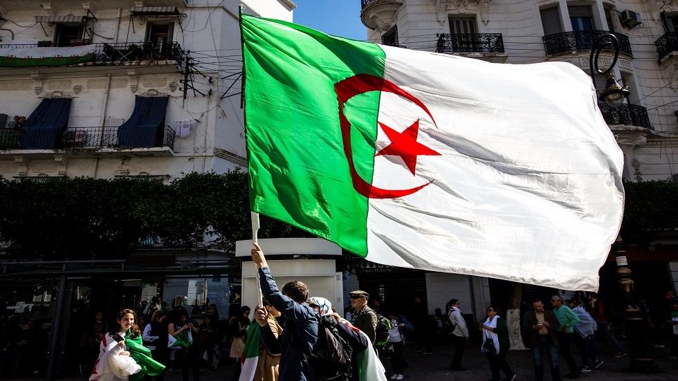 حزب جزائري يندد بـ