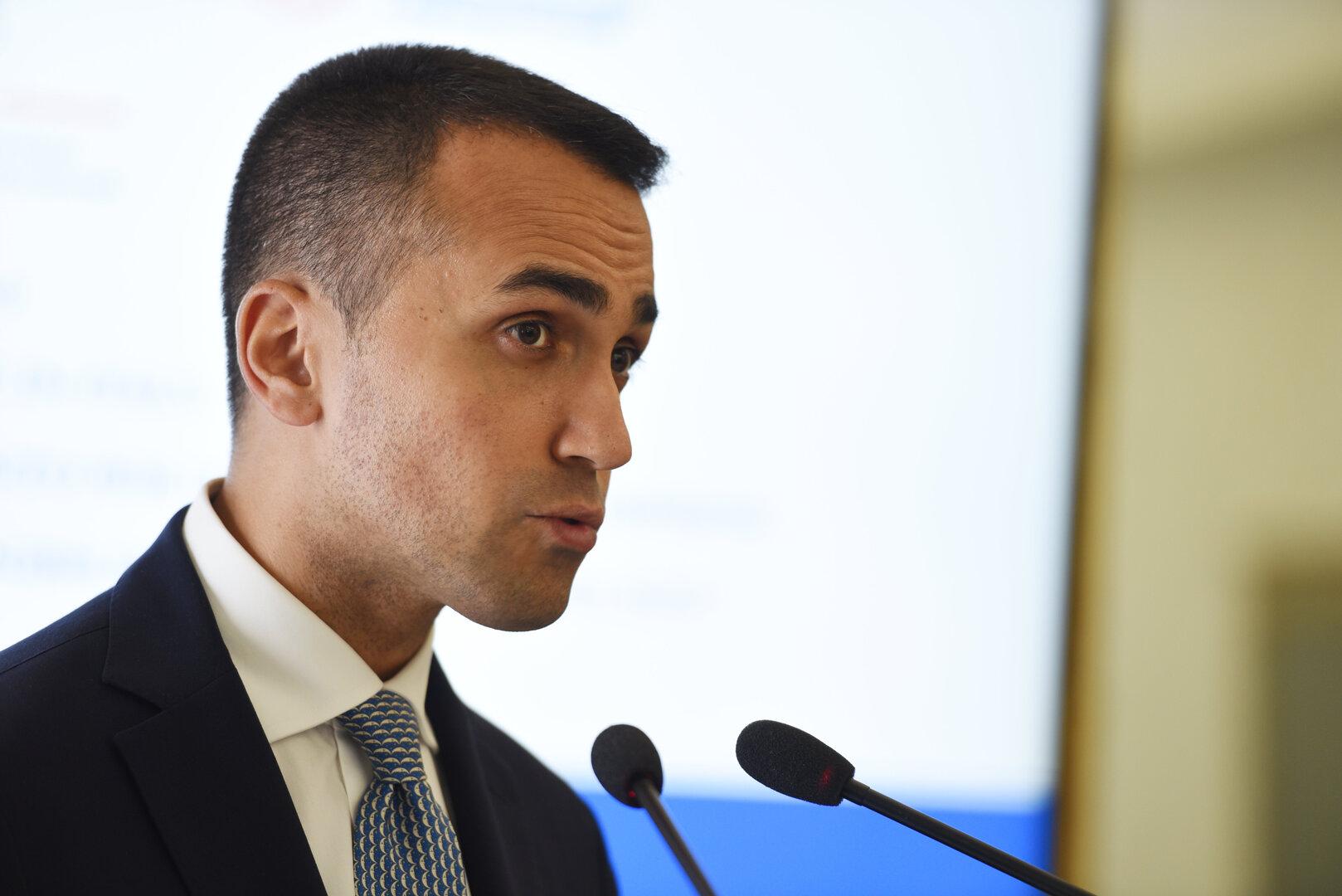 وزير الخارجية الإيطالي يأمل في محاكمة سريعة بمصر تؤدي إلى الإفراج عن الباحث باتريك جورج زكي