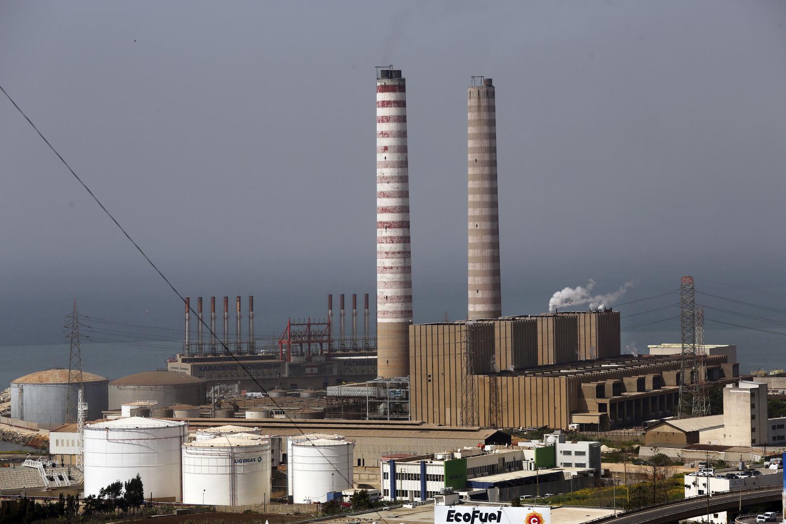 لبنان.. وصول الباخرة الأولى من الفيول العراقي إلى معمل دير عمار الحراري