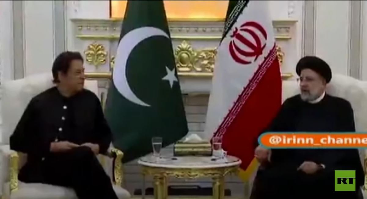 رئيس وزراء باكستان يلتقي الرئيس الإيراني في طاجيكستان
