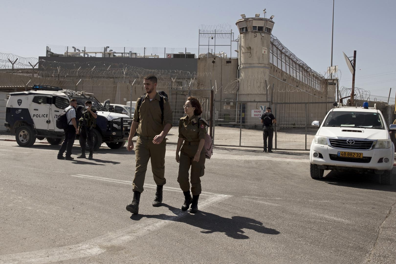 مسؤول إسرائيلي: عملية البحث عن الأسيرين انفيعات وكممجي تكلف أكثر من 3 آلاف دولار يوميا