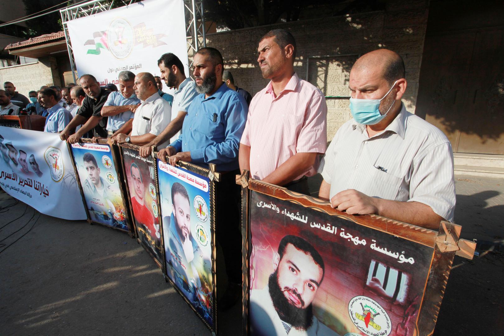 بعد لقائه الأسير محمود العارضة... محامي هيئة الأسرى يكشف تفاصيل جديدة في حفر نفق الحرية