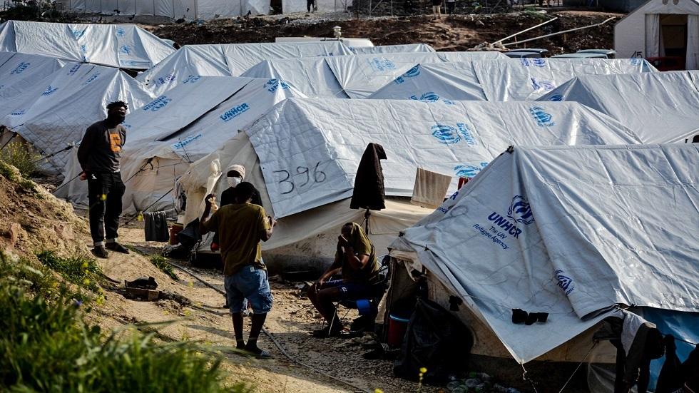 اليونان تفتح أول مخيم