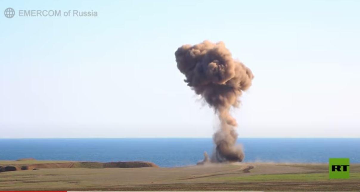 تفجير ذخائر من سفينة غارقة تعود إلى الحرب العالمية الثانية