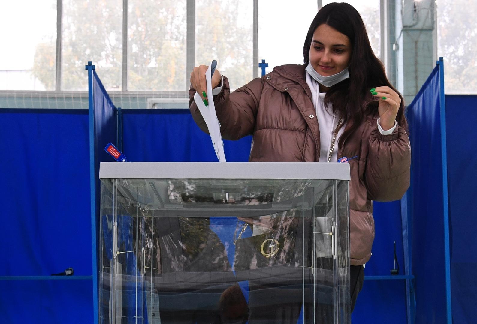 روسيا.. 3 هجمات على موارد لجنة الانتخابات في اليوم الأول من الاقتراع