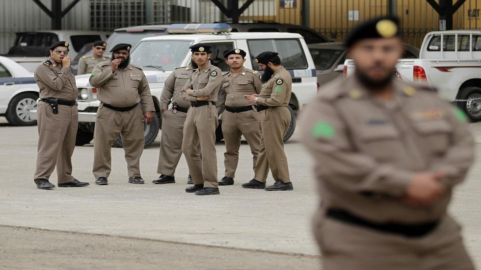 والد السعودية مشاعل القحطاني يكشف أسباب عدم تسرعه لإخراج ابنته من السجن