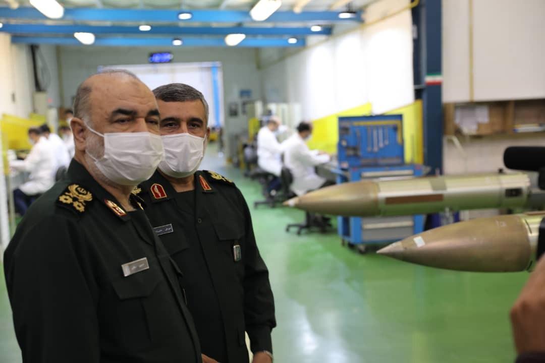 الحرس الثوري الإيراني يكشف عن معدات جديدة من بينها روبوت