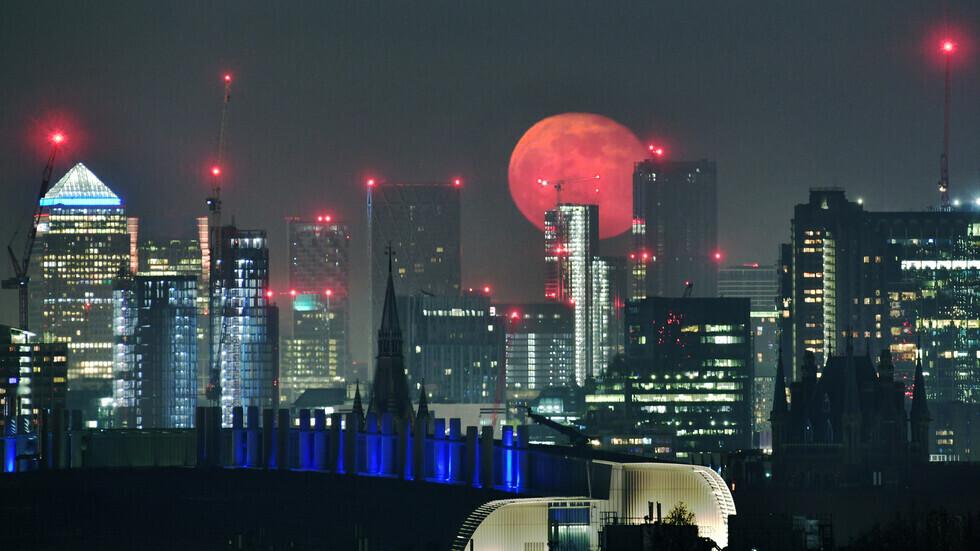 وصول الخريف يجلب قمر الحصاد المثير للاهتمام إلى سماء الأرض الليلة