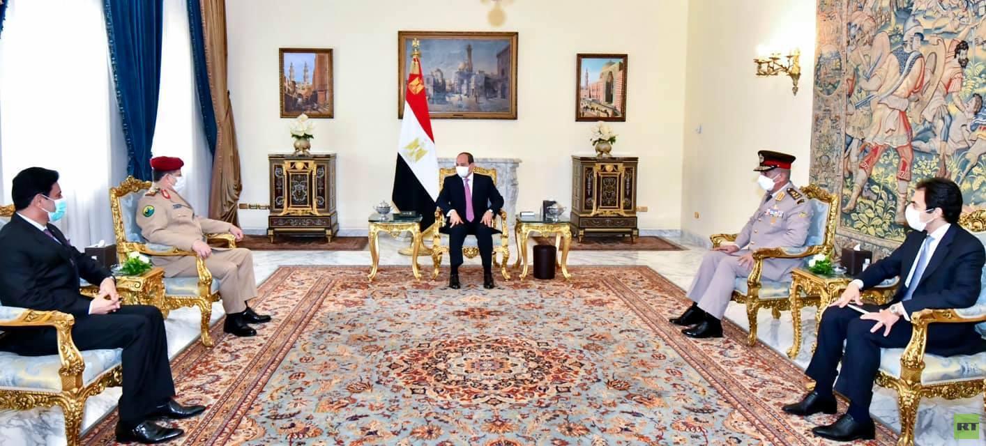 السيسي يناقش مع وزير الدفاع اليمني تطورات الأوضاع في اليمن