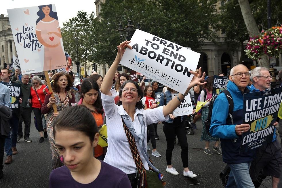طبيب أمريكي يعلن انتهاكه قانون الإجهاض المثير للجدل في تكساس